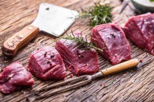 čerstvé naporcované hovädzie mäso - vysoký obsah bielkovín a železa pri dukanovej diéte